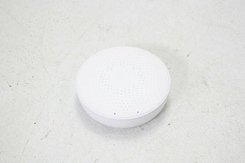 Airthings  2930 Wave Plus Radon Air Quality Monitor VOC Humidity Temp CO2