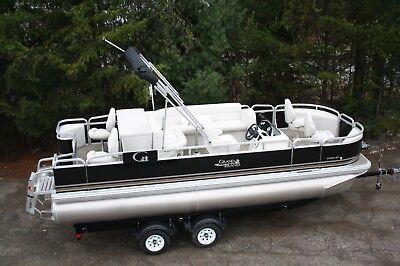 20 ft Tahoe fish and fun pontoon boat