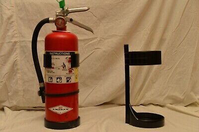 Univeral 5lb Fire Extinguisher Black Plastic Vehicle Bracket