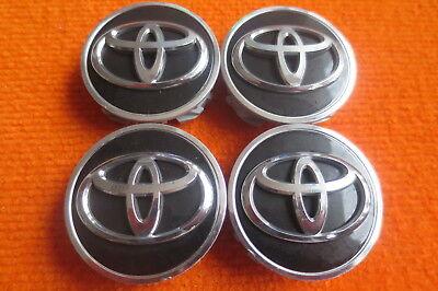 Gebraucht, 4 Nabendeckel/Radkappen für Alufelgen von Toyota RAV in schwarz 62mm gebraucht kaufen  Oelsnitz