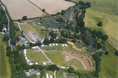 TOURING CARAVAN/CAMPING PITCH ON FISHERY FISHING ONSITE 7+ WATERS CENTRAL DORSET