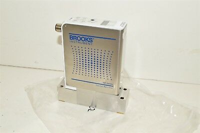 Brooks Instrument N2 2600 Sccm Gf125cxxc Thermal Mass Flow Controller Meter Mfc