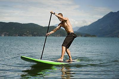 Stand Up-Paddling zählt zu den neuesten Wassersport-Trends (Foto: Thinkstock)