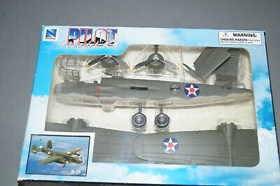 NewRay B-25 Mitchell World War II Bomber Plastic Model Airplane Kit New