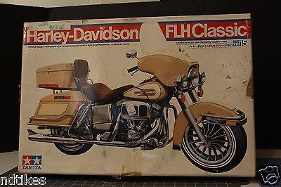 TAMIYA 1/6 Scale Motorcycle  Harley-Davidson FLH Classic #16015 BIG SCALE 15