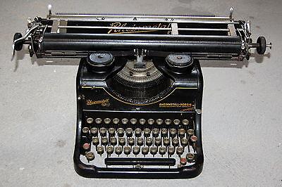 alte antike Schreibmaschine Rheinmetall sehr schwer