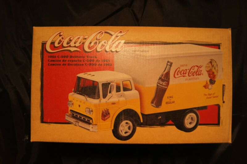 Ertl Die Cast 1958 C-800 Ford Coca-Cola soda Delivery Truck 1/25 New Gift
