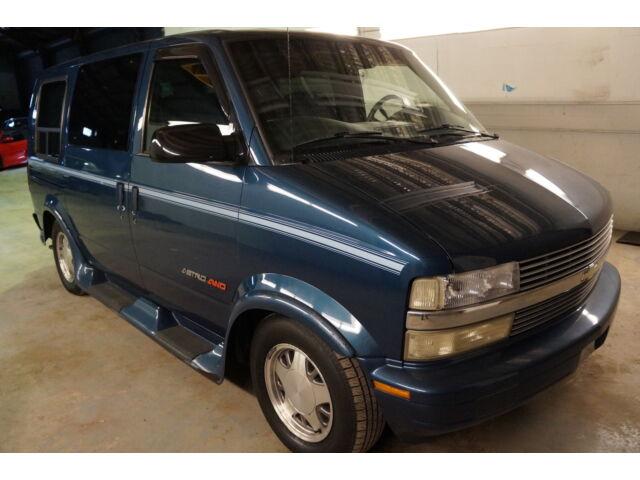 Imagen 1 de Chevrolet Astro blue
