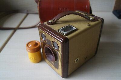 Vintage Kodak Six-20 Brownie Model F Mid 1950's Box Camera
