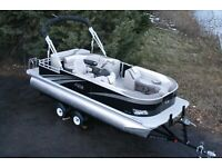 Triple tube 22 ft  high end cruise pontoon boat with 150 hp and trailer