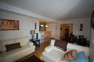 Fantastic 1 Bed+Den/1 Bath @ the W Suites with 5 Appl!AVAIL Feb