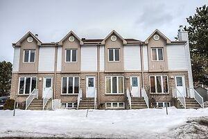 Maison - à vendre - Lavaltrie - 16729403