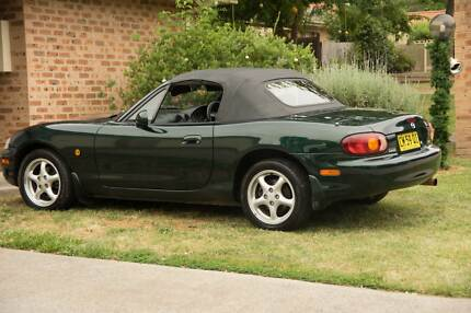 1998 Mazda MX5 sportscar in great condition