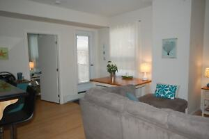 Close to DAL, SMU & Hospitals, 2 Bed+Den @ Tower Apts! AVAIL Oct
