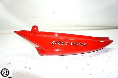 05-10 TRIUMPH SPEED TRIPLE 1050 LEFT REAR TAIL FAIRING COVER COWL T2304314