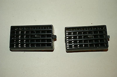 Toyota 4Runner Pickup Center Heat Air Vents Pair (2) Black  1989-1995