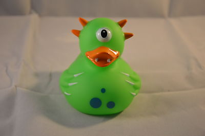 NEW FUN NOVELTY FLOATING BATH DUCK IN GREEN ALIEN CYCLOPS OUTFIT LILALU