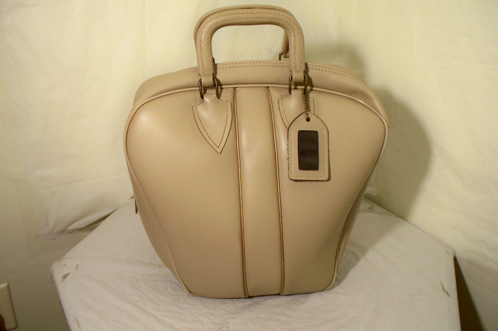 Vintage Colonial One Ball Bowling Bag