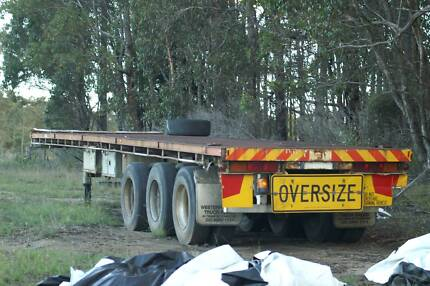 Freighter Trailer 42 Foot tri axle flat top