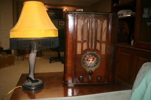 1936 ZENITH MODEL 5-s-29 TOMBSTONE STYLE RADIO-- New Caps
