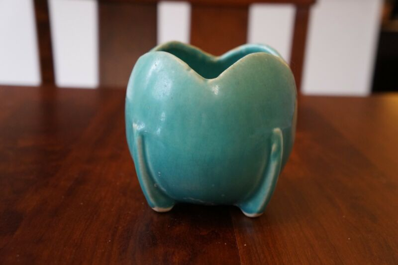 Vintage McCoy Blue Tulip Planter; 4 in tall