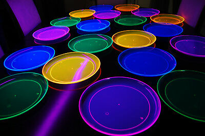 Neon Party Supplies (Assorted Neon Blacklight Reactive 10.25 Inch Plastic Party Plates - 20)