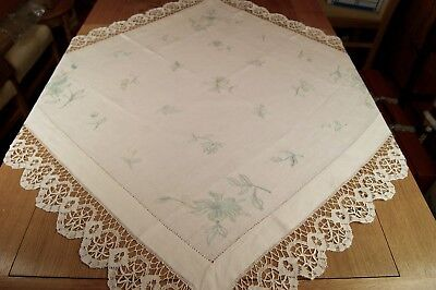 ANTIQUE/VINTAGE LINEN EMBROIDERED TABLECLOTH Bobbin Lace 40