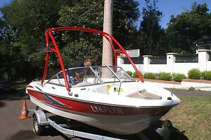 Maxum 1800SR3 Sports red/white; Wakeboarding Tower, low hours. Wahroonga Ku-ring-gai Area Preview