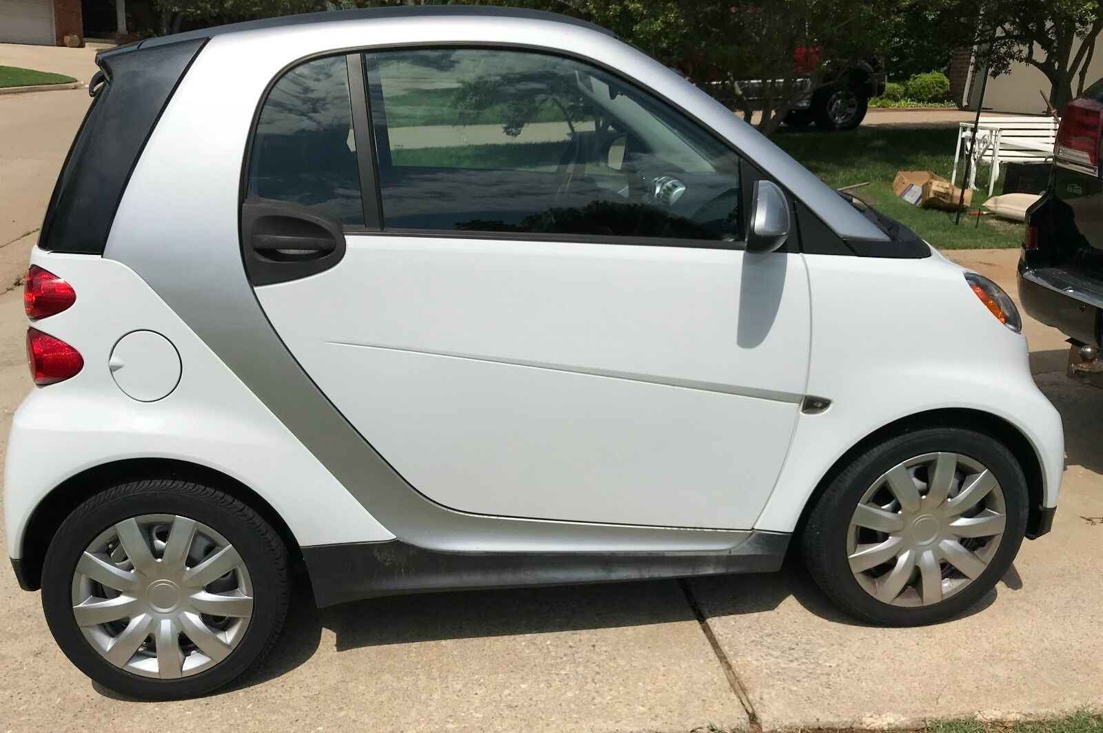 2014 Smart Fortwo LEATHER 2014 SMART FORTWO CAR LEATHER HEATED SEATS POWER WINDOWS/LOCKS LOW MILES 8,139