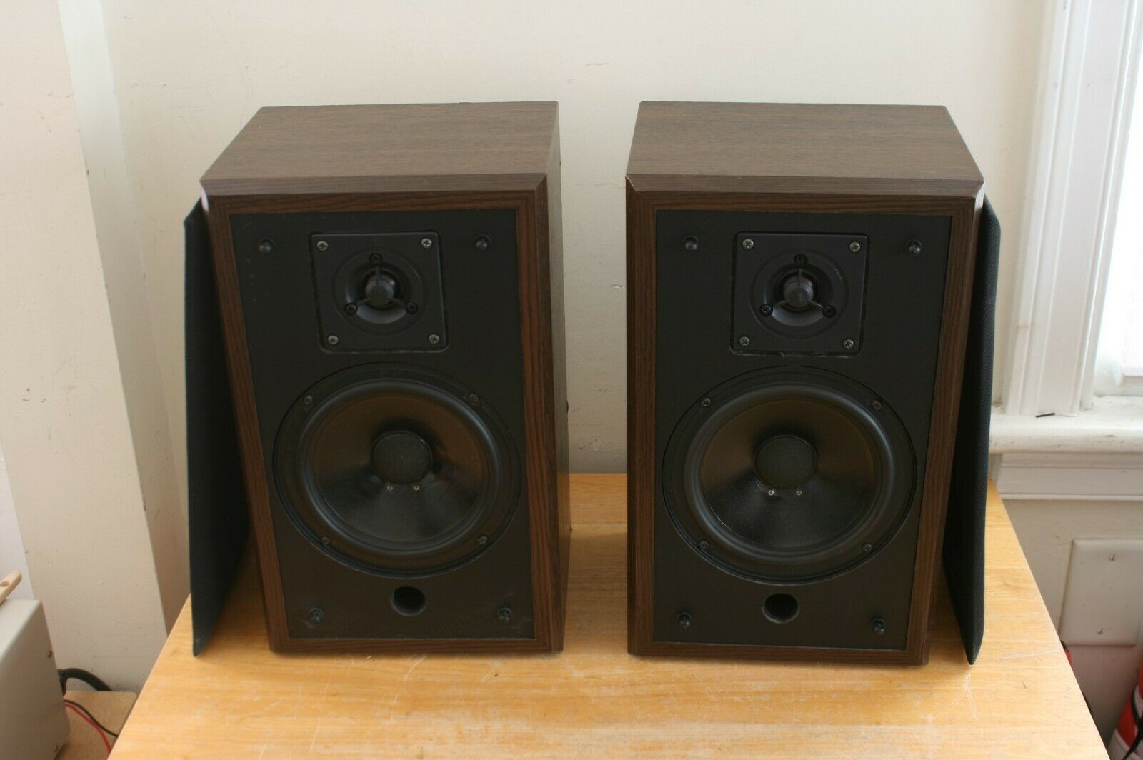 Vintage Polk Audio Monitor 4 Bookshelf Speakers Made in USA