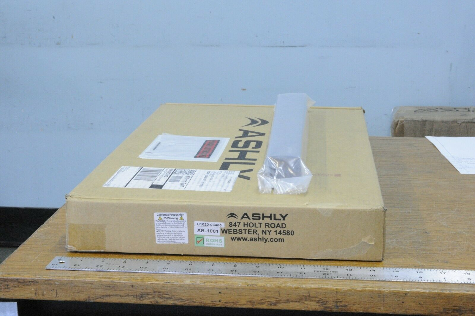 ASHLY XR-1001 Mono 3/4-way or stereo 2-way electronic crossover network, new