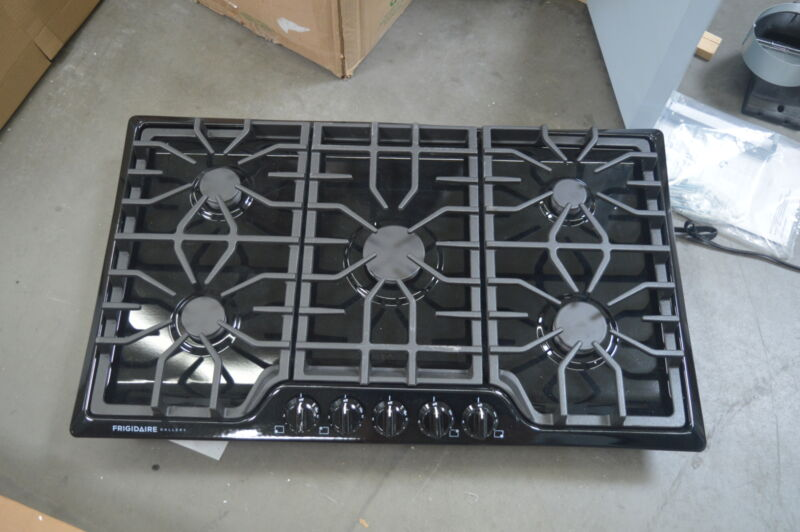 "Frigidaire Gallery 36"" Built-In Gas Cooktop Black FGGC3645QB"