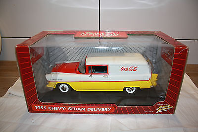 Coca-Cola 1955 Chevy  Sedan Delivery Johnny Lightning 1:18 2004 US Import