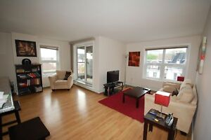 WSuites-Beautiful 2 Bedroom in Downtown, 5 App! Available MAY