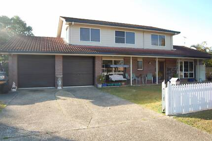5 Bdrm Two Story Home on 1000sqm Elevated Block - Morayfield Morayfield Caboolture Area Preview