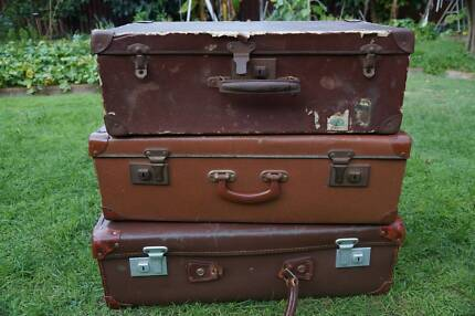 VINTAGE SUITCASES LOT OF 3