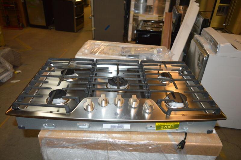"LG Studio 36"" Built-In Gas Cooktop Stainless Steel LSCG367ST"