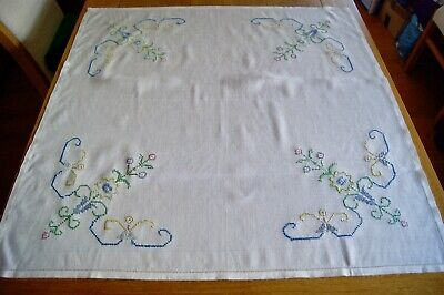 VINTAGE TABLECLOTH HAND EMBROIDERED with FLOWERS - UNUSED - Rayon LInen #T78