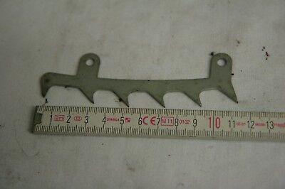 Kralle am Seitendeckel passend für Stihl MS 362 MS362  Zackenleiste Baum-Kralle