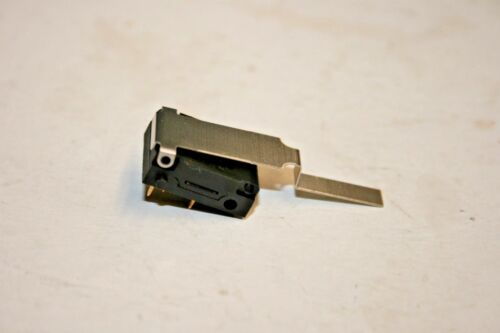 Microswitch® LP2DPY - DPDT - PC Mount