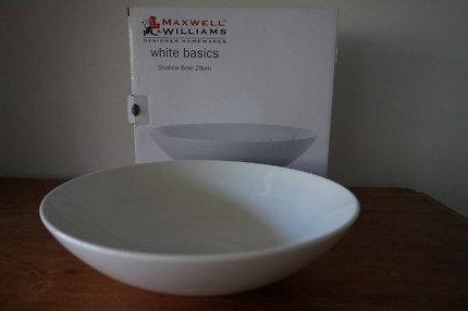 Maxwell&Williams Shallow bowl 28cm