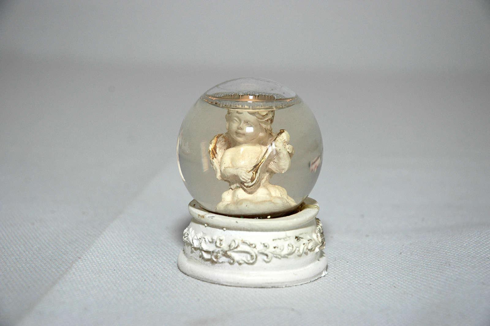 Palla sfera di vetro neve acqua per ornamento collezione angelo mandoloncello