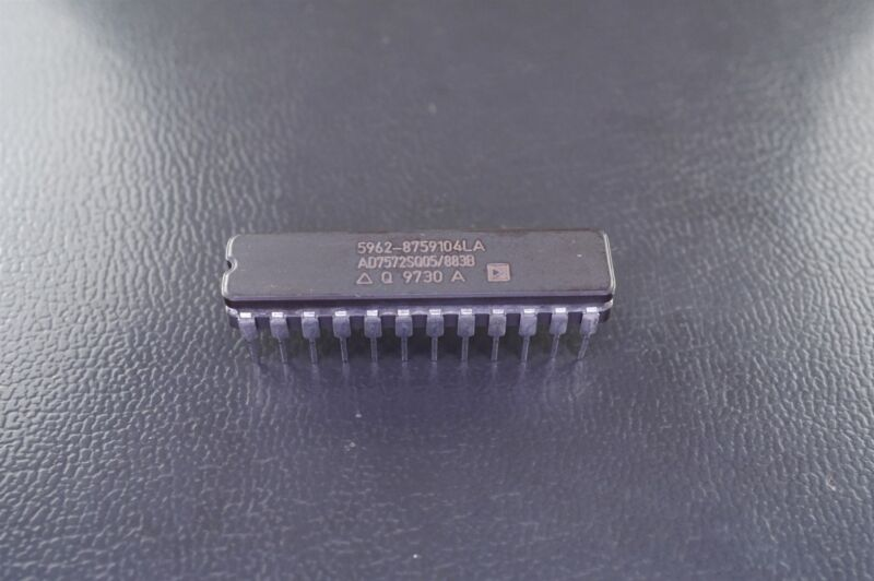 AD7572SQ05/883B Analog Devices Complete High Speed 12-Bit ADC 5962-8759104LA NOS