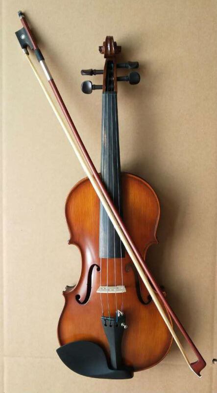 New 4/4 Solid Wood Violin Ebony Accessories Good sound and materials