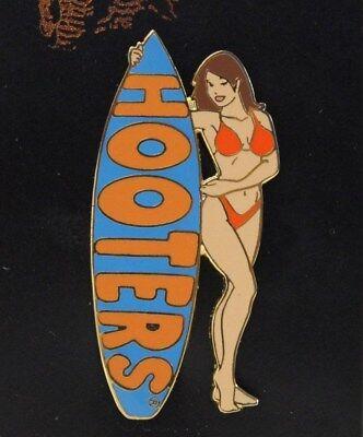 HOOTERS SEXY SURFER GIRL BRUNETTE LT BLUE SURFBOARD ORANGE BIKINI SWIM SUIT PIN