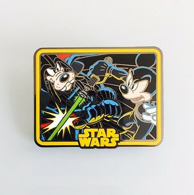 Disney 2015 Mickey And Goofy Lightsaber Battle Star Wars Pin 109228