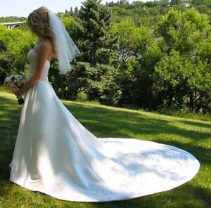 Size 4 Wedding Gown