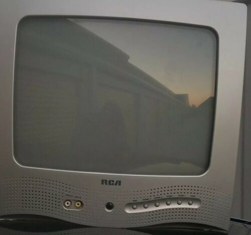 "2003 RCA E13320 13"" Color Retro Gaming Television TV - Tested"
