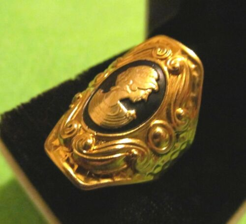 Pretty VICTORIAN  ENAMEL ETRUSCAN  CAMEO WIDE GOLD RING ,*- .