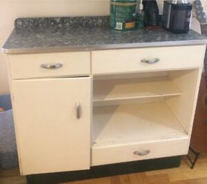 Dresser/Cupboard for sale, perfect for extra storage